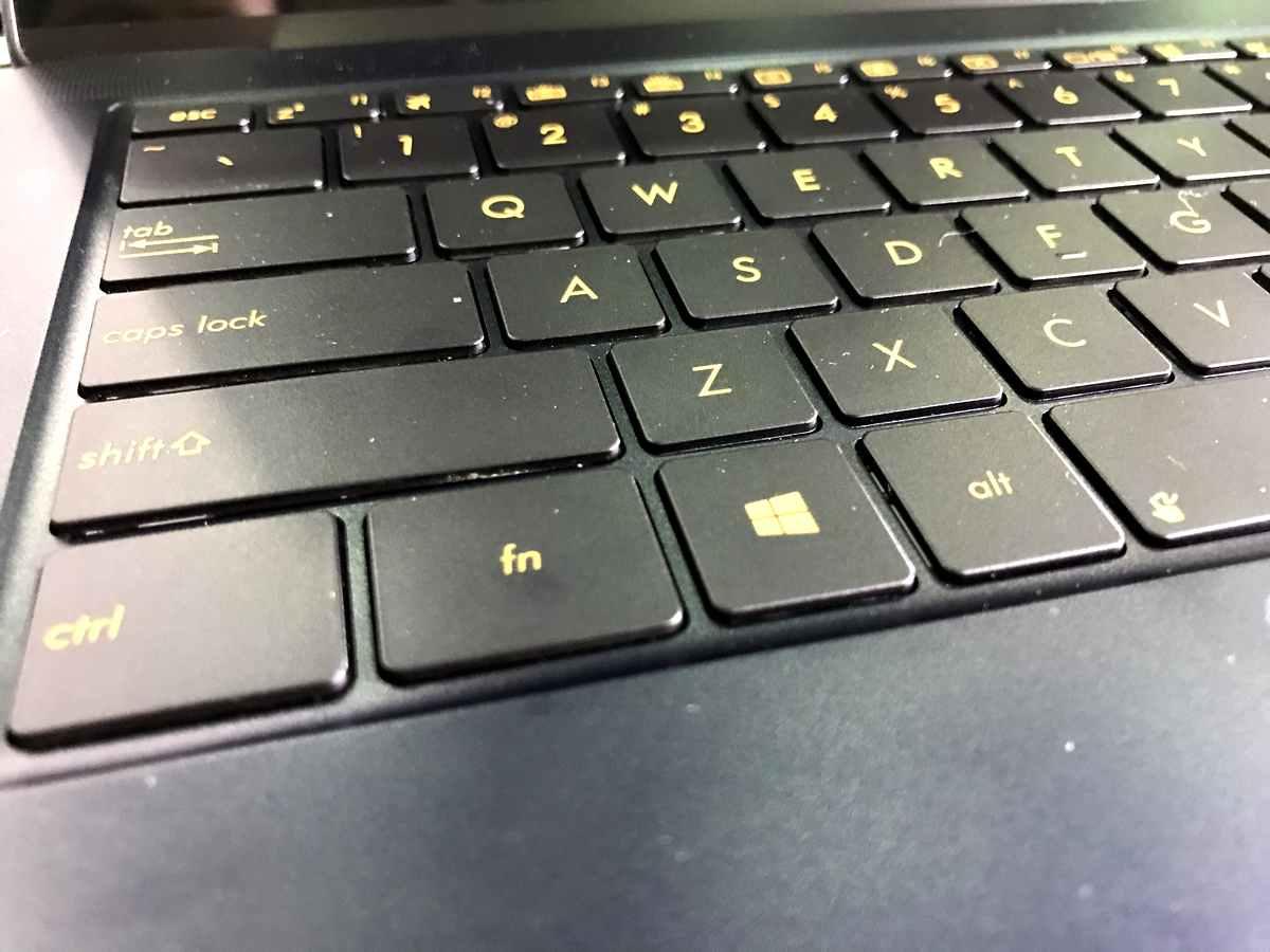 ASUS ZenBook 3 Deluxe - 3