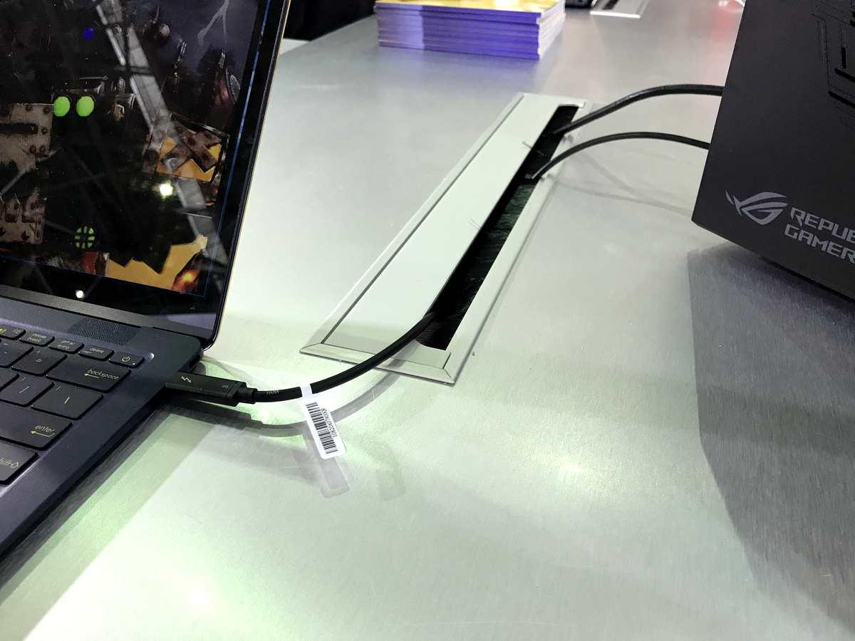 ASUS ZenBook 3 Deluxe - 5