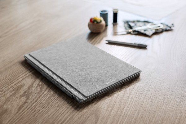 Surface Pro 4 Signature Type Cover 4
