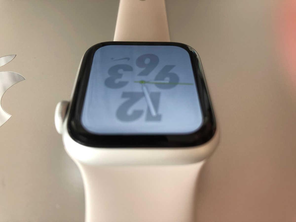 Apple Watch Series 4 - 4