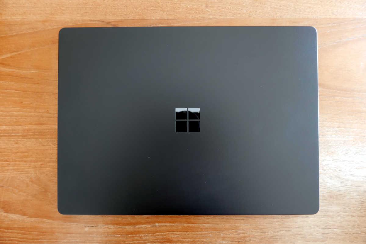 Microsoft Surface Laptop 2 - 1